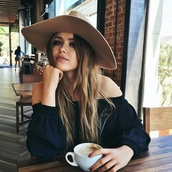 shirt,hat,beautiful,girl,hair,black,no shoulders,coffee
