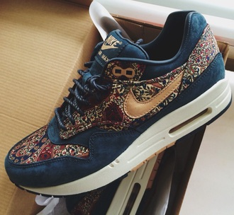 shoes nike liberty sneakers hipster blue nike air max 1 air max adidas wings new balance nike running shoes nike shoes nike air nike free run sportswear nike sweater nike shoes womens roshe runs running shoes high heels tumblr outfit tumblr sweater indie boho