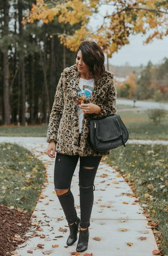 life & messy hair blogger coat t-shirt bag sunglasses shoes fall outfits faux fur coat ankle boots black pants black bag