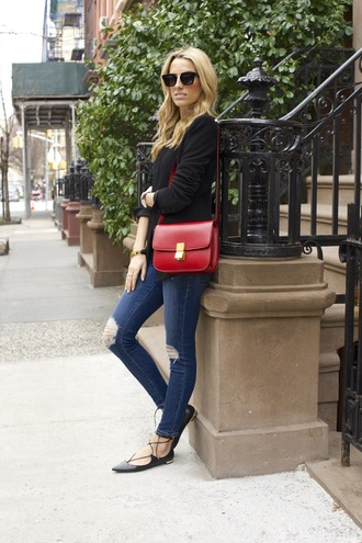 mind body swag blogger red bag ripped jeans