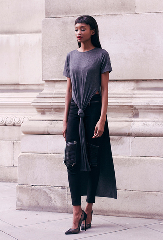 top slit top draped draped top grey t-shirt blogger biker leggings black pants t-shirt dress bisous natascha black girls killin it tie-front top black jeans zip