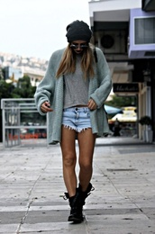 sweater,long sweater,oversized sweater,cardigan,shoes,green cardigan,green,clothes,shorts,grunge,gray cardigan,grey cardigan,knitwear,knitted cardigan,knit,denim shorts,grey shirt,grey shirt and denim shorts,gray shirt,black boots,black ankle boots,sunglasses,beanie,knit beanie,hipster punk,hipster,combat boots,black combat boots,oversized cardigan,ankle boots,acid wash,high waisted,daisy dukes,jeans,short shorts,festival shorts