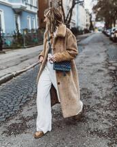 coat,long coat,brown shoes,white pants,crossbody bag,white top,long sleeves