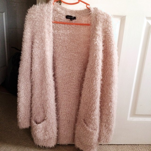 look pink fluffy cardigan. Size M. Never worn. P&P ...