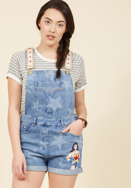 Lynda shorts cuffed shorts denim straps embroidered pale stars red blue
