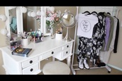 home accessory,white,black,makeup table,make-up,mirror,shoes,style,t-shirt,swag,cool,girly,california girl beauty,fashion,flowers