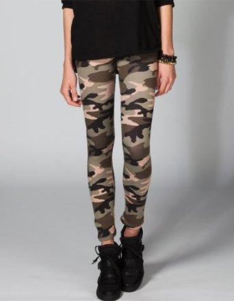 com: FULL TILT Camo Print Womens Leggings: Clothing