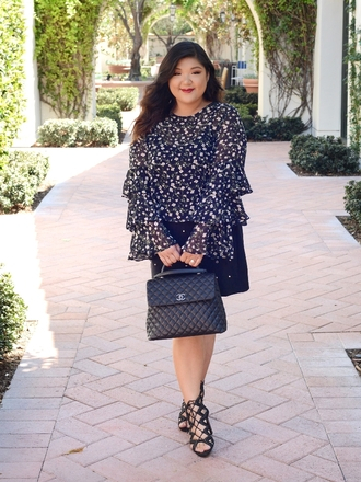 curvy girl chic - plus size fashion and style blog blogger top skirt shoes