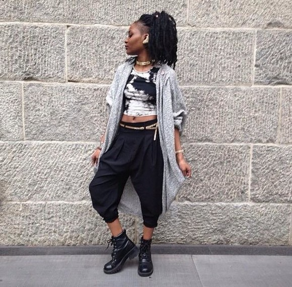 t-shirt fashion cardigan old school DrMartens earrings necklace jewels fasjion vintage pants timberlands crop tops tie dye