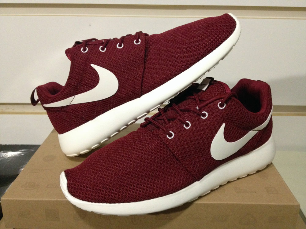 2b08f0209677a Nike Roshe Run Burgundy Team Red Sail Maroon Sz 8-13 Running 511881-610  Yeezy FB