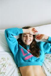 sweater,blue,pink,cropped sweater,girl,tumblr,fashion