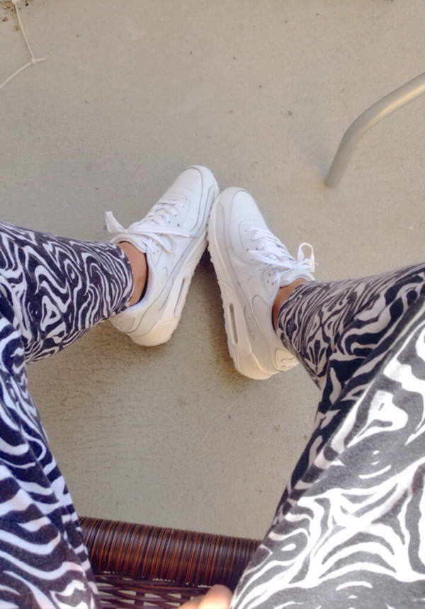 shoes nike air max white pants