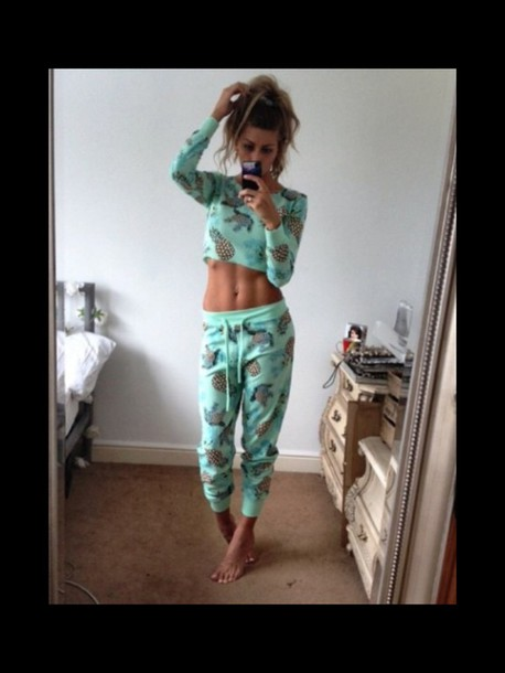 pajamas fruity teal pineapple print pyjamas. girly fitness crop tops comfy bun