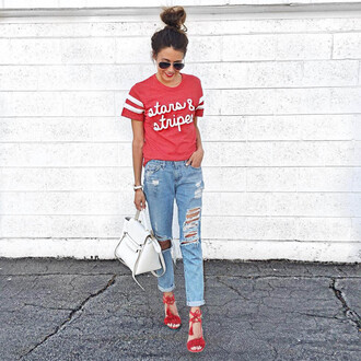 hello fashion blogger red top graphic tee red shoes summer sandals strappy sandals white bag ripped jeans spring outfits jeans blue white red outfit