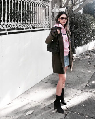 frontrowbeauty blogger sunglasses sweater coat skirt shoes bag