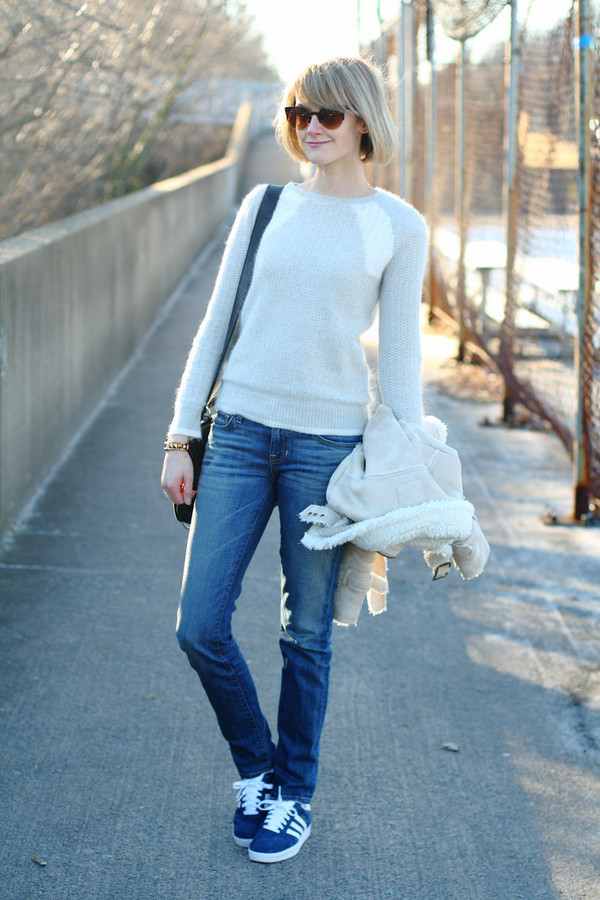 district of chic sunglasses jacket sweater jewels jeans bag