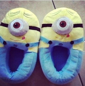 shoes clothes cute slippers funny boots minions yellow light blue winter sweater winter outfits flats lovely denim high heels hippie girly katiquette blogger jeans shirt sweater sunglasses block heels white t-shirt t-shirt top blue jeans black boots high heels boots round sunglasses
