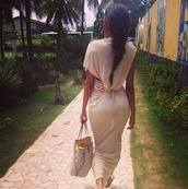 dress,beige dress,maxi dress,bag