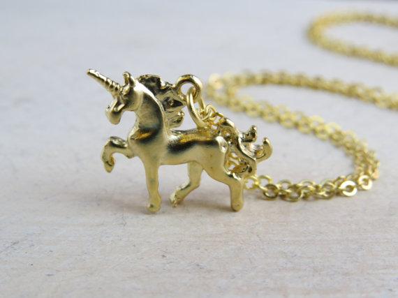 Collier licorne, collier or licorne, licorne sur mesure, collier licorne personnalisée, charme de la licorne, pendentif licorne,