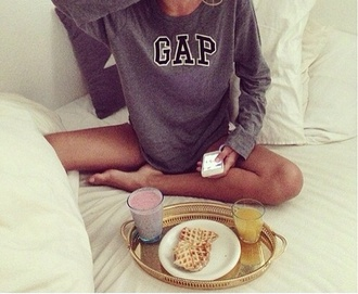 sweater gap fashion streetwear comfy outfits sweatshirt long sleeve shirt grey gray breakfast shirt oversized jumper comfy girl weheartit grey sweater lovely the breakfast club sweat chill sweatshiry louisehansson louise hansson swedish brown tan pullover grau black white morning black and white womens brand black sweater