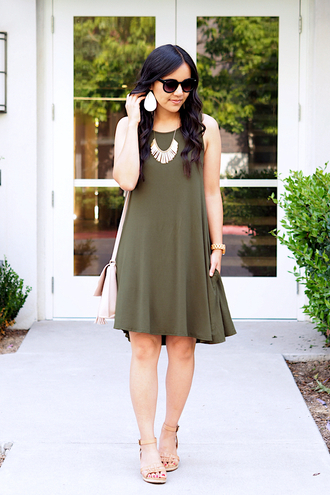 puttingmetogether blogger dress jewels shoes bag sunglasses green dress sandals summer outfits