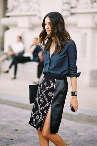 skirt zip slit slit skirt leather skirt zipped skirt embellished black leather skirt zip-up skirt floral skirt black skirt shirt blue shirt clutch black clutch streetstyle bracelets hermes