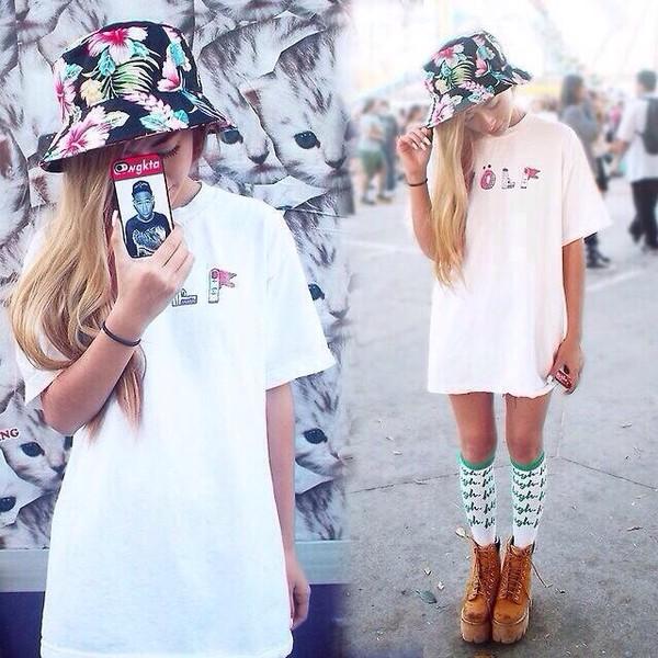 hat bucket hat floral hat floral shirt shoes