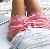shorts,pajamas,lace,pink,cute,girly,pants,summer,pretty,clothes,satin,nightwear,pink shorts,white,white t-shirt,top,bow,pink bow,pink lace shorts,lace shorts,ribbon,crochet