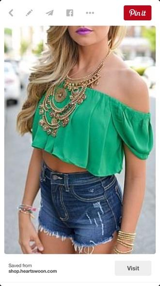 blouse crop tops big necklace
