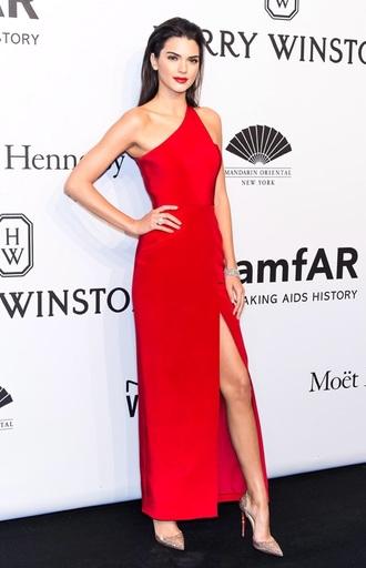 dress kendall jenner red carpet dress kardashians red dress red lipstick