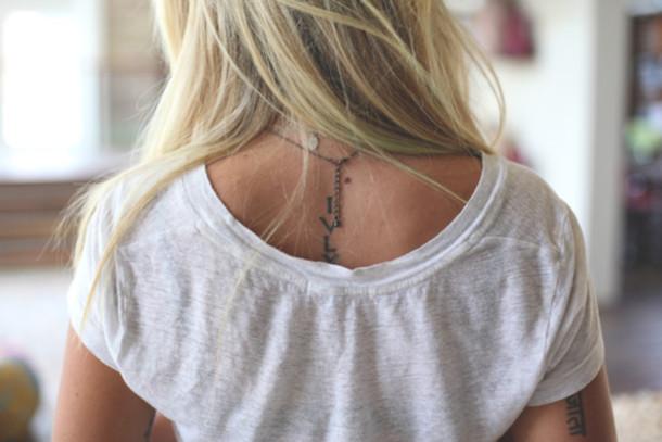 shirt tattoo geometric blonde hair