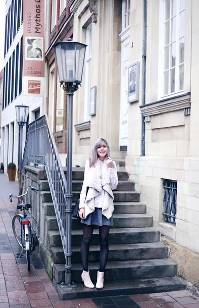 bekleidet blogger shearling jacket pink jacket skater skirt shearling vest sweater white sweater mini skirt grey skirt tights opaque tights ankle boots white boots boots