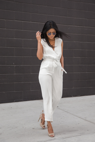 walk in wonderland blogger jumpsuit nude heels white jumpsuit