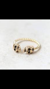 jewels,skull ring,gold