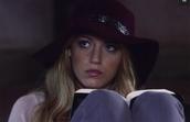 hat,gossip girl,serena van der woodsen,blake lively