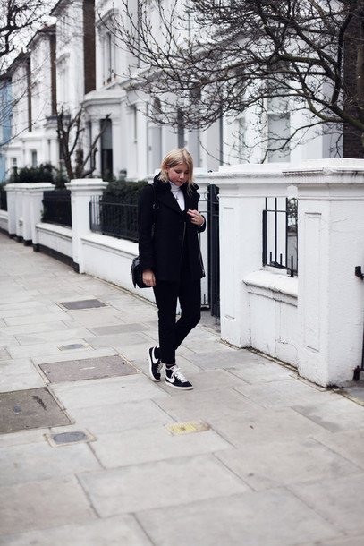 into the fold blogger nike sneakers black coat