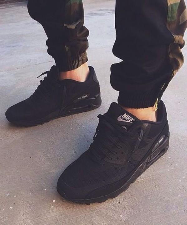 nike air max thea on feet