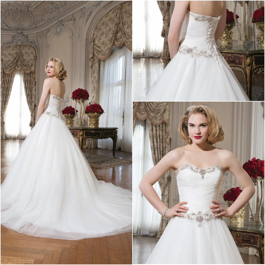 Discount lace a line bridal gown winter wedding dresses online with $145.26/piece