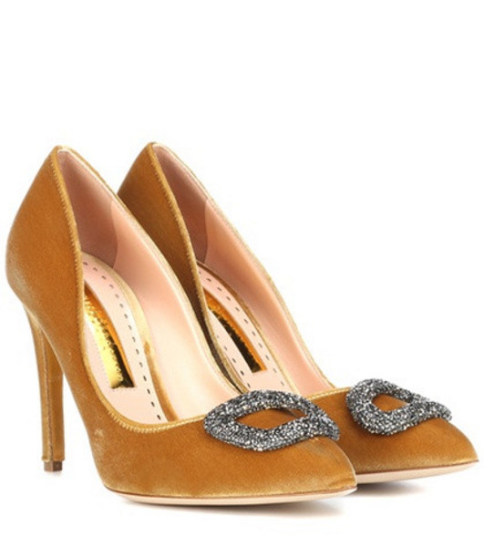Rupert Sanderson Malory velvet pumps in gold