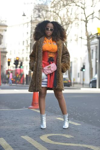 coat london fashion week 2017 fashion week 2017 fashion week streetstyle fur coat leopard print hoodie orange skirt mini skirt corset shoes silver metallic metallic shoes bag pink bag