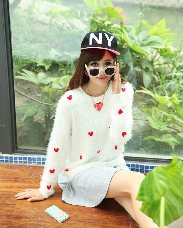 Lovely womens crew neck long sleeve red heart sweater jumper knitwear tops