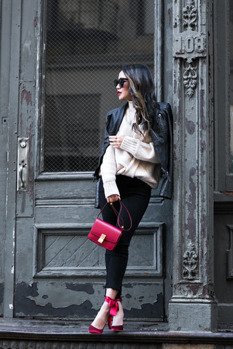 wendy's lookbook blogger top jacket sweater bag shoes sunglasses jewels red bag skinny jeans pumps high heel pumps