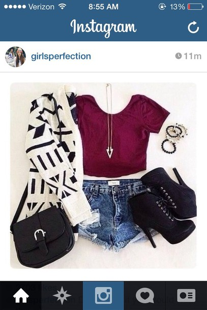 jacket shorts t-shirt shoes jewels sweater cardigan black and white cardigan necklace jeans