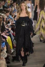 dress,philosophy di lorenzo serafini,belt,black dress,midi dress,romee strijd,milan fashion week 2016,off the shoulder
