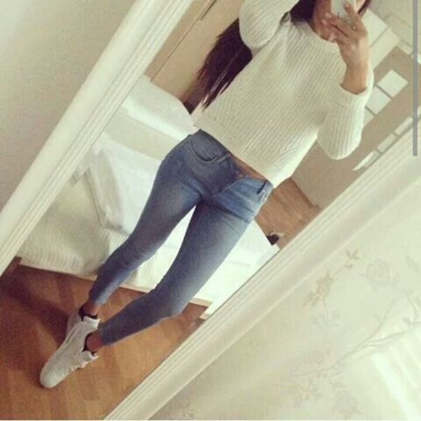 white jeans white air max nike air shoes sweater cream jumper knitted sweater socks pants light blue white sneakers top tights