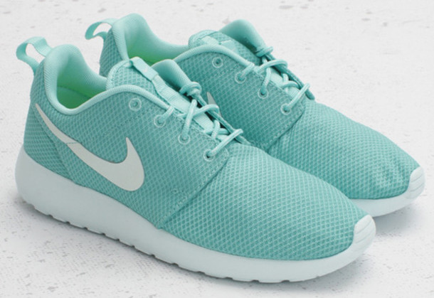 nike roshe run women mint