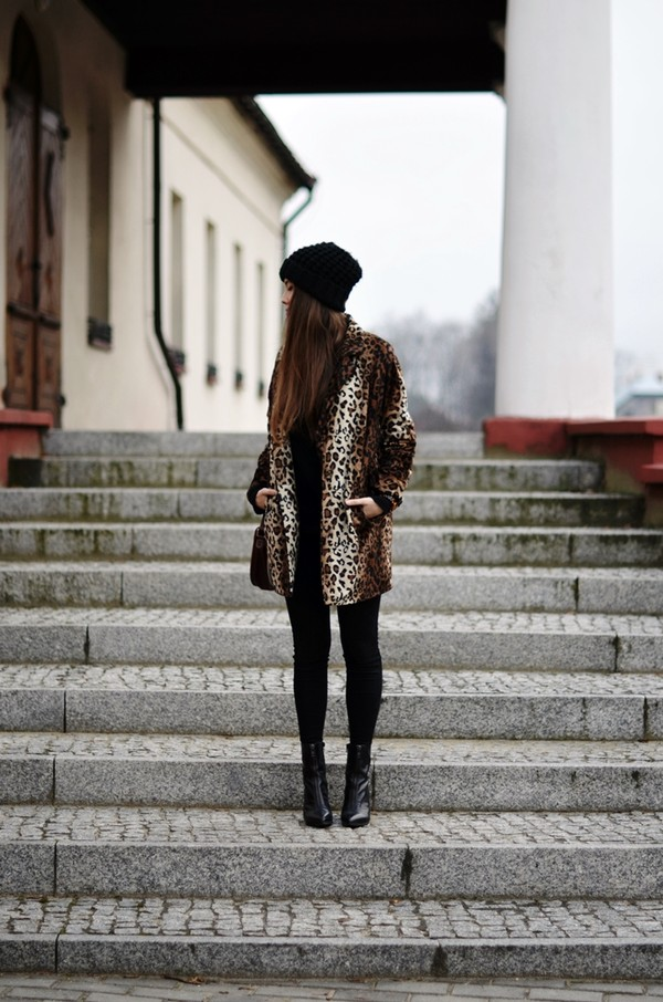 jestem kasia coat hat jewels shoes
