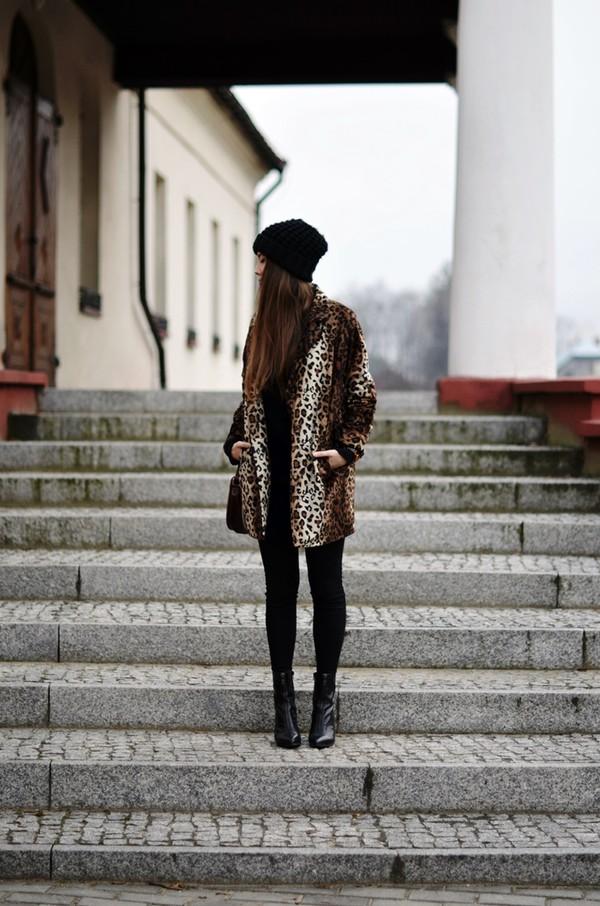 jestem kasia coat hat jewels shoes
