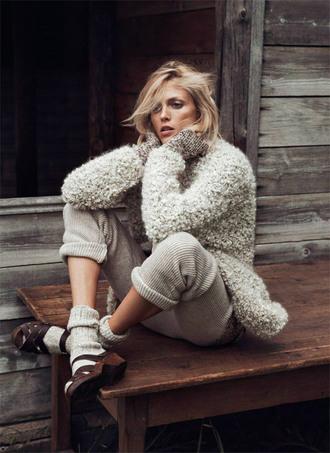 sea of shoes blogger pants fuzzy sweater winter sweater beige knitwear socks winter outfits