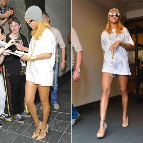 sunglasses rihanna shoes heels necklace jewels t-shirt